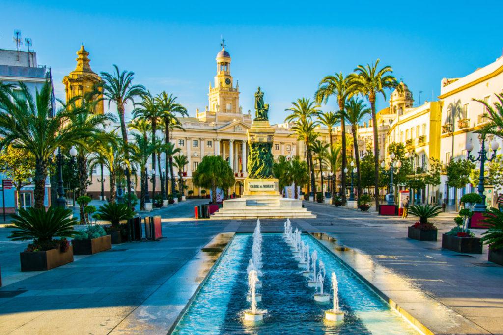 Cádiz: Brunnen am Saint John Square