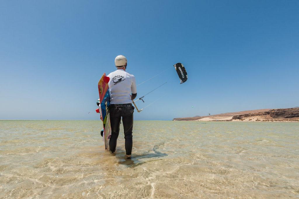 Kitesurfen Fuerteventura (Copyright Surfer Island)
